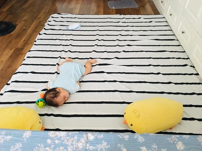 Con thức giấc 9-10 lần trong đêm, mẹ mất đúng 1 tuần luyện con ngủ xuyên đêm, giờ giấc chuẩn như đồng hồ báo thức - Ảnh 4.