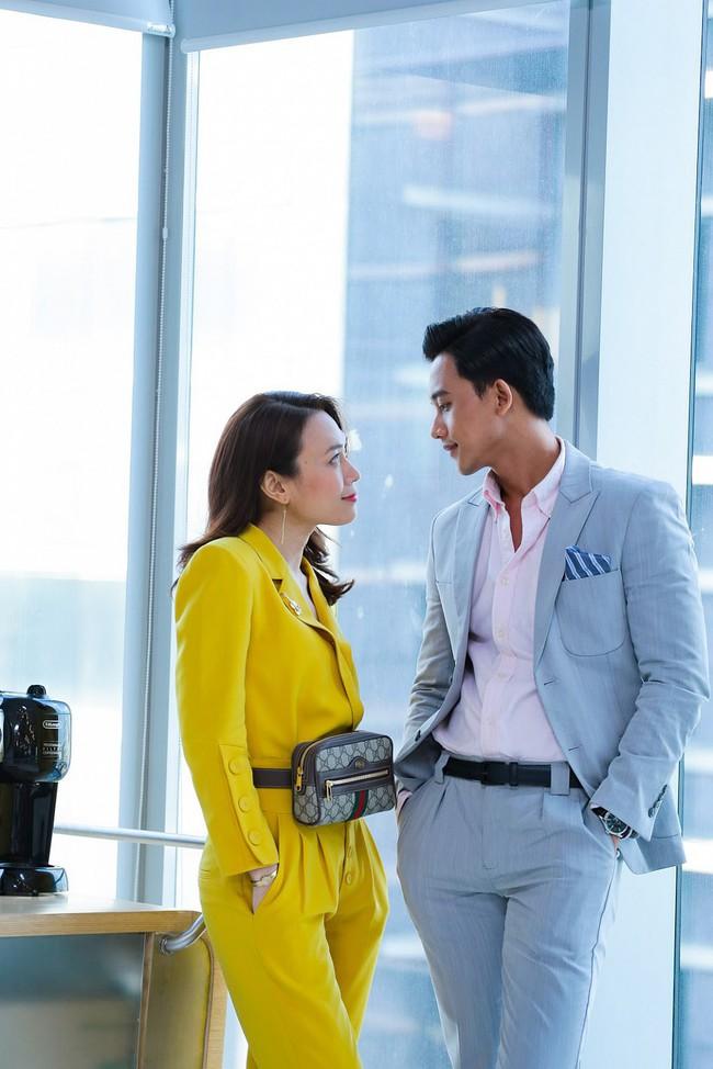 Không chỉ mỗi trên phim, bình thường chị trợ lý Mỹ Tâm cũng mặc suit đẹp hết sẩy - Ảnh 6.