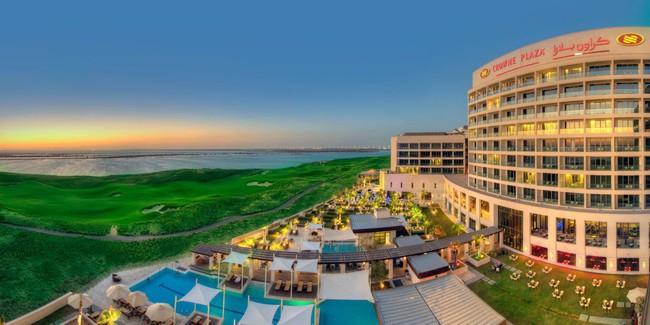 Cận cảnh khách sạn có cả bãi biển và sân golf đội tuyển Việt Nam đang lưu trú khi thi đấu Asian Cup 2019  - Ảnh 2.