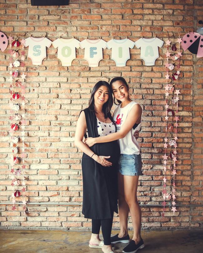 Stephanie Nguyễn - chị chồng kín tiếng của Hà Tăng: Vừa sinh con đầu lòng, nuôi con hoàn toàn bằng sữa mẹ - Ảnh 2.