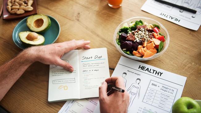 Làm thế nào để giảm cân trong năm nay, hãy nghe bật mí của chuyên gia dinh dưỡng này - Ảnh 2.