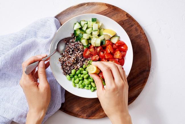 Làm thế nào để giảm cân trong năm nay, hãy nghe bật mí của chuyên gia dinh dưỡng này - Ảnh 3.