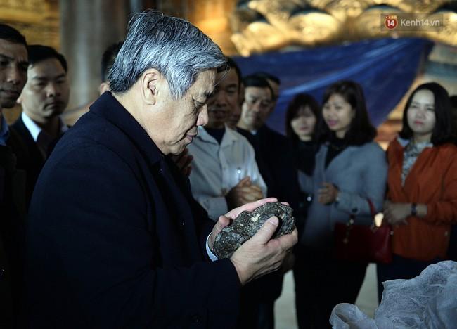 Cận cảnh ngôi chùa lớn nhất Việt Nam - Nơi sẽ đặt báu vật thiên thạch mặt trăng 600.000 USD được đấu giá từ Mỹ - Ảnh 18.
