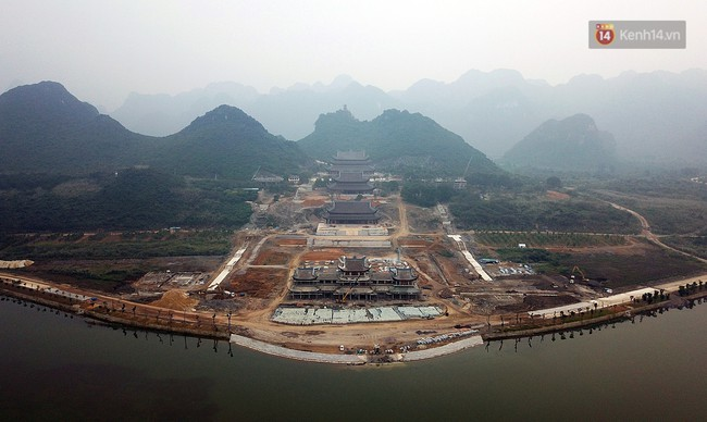 Cận cảnh ngôi chùa lớn nhất Việt Nam - Nơi sẽ đặt báu vật thiên thạch mặt trăng 600.000 USD được đấu giá từ Mỹ - Ảnh 3.