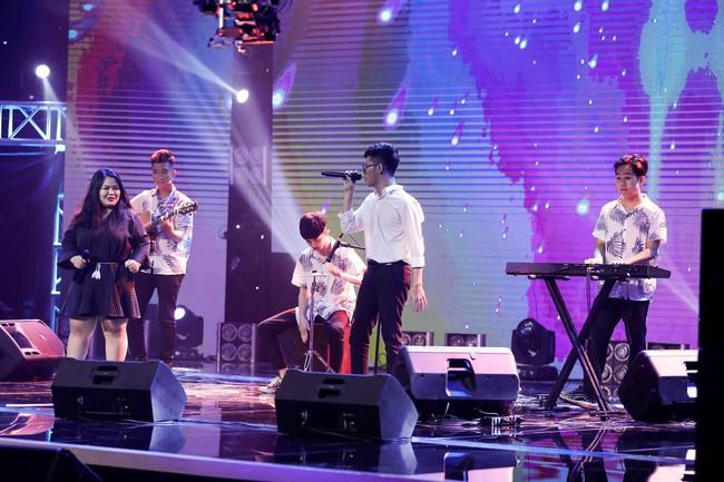 Hết chê Nguyễn Hải Phong nhạt, Phương Uyên lại mỉa mai Mỹ Linh có 1 bài mà hát hoài - Ảnh 8.