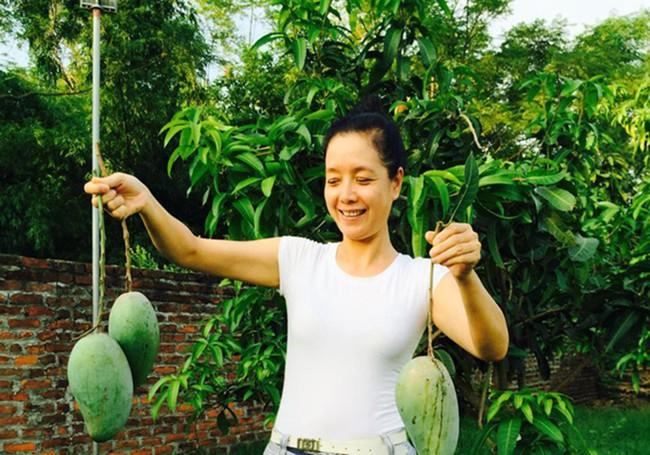 Sát Tết, NSƯT Chiều Xuân thu hoạch cả nghìn quả bưởi ở khu vườn của gia đình - Ảnh 25.