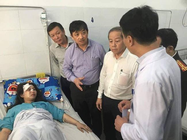Bảo quản, chuyển đến bệnh viện cánh tay của nữ sinh gặp nạn trong vụ xe khách chở hơn 20 sinh viên lao xuống đèo Hải Vân - Ảnh 2.