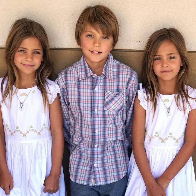 2 cô bé được gọi là cặp song sinh đẹp nhất thế giới nay đã lớn phổng phao, có một điều mãi không thay đổi - Ảnh 14.