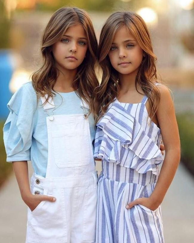 2 cô bé được gọi là cặp song sinh đẹp nhất thế giới nay đã lớn phổng phao, có một điều mãi không thay đổi - Ảnh 11.
