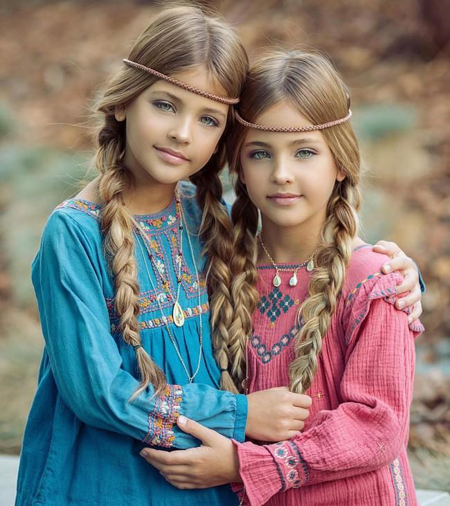 2 cô bé được gọi là cặp song sinh đẹp nhất thế giới nay đã lớn phổng phao, có một điều mãi không thay đổi - Ảnh 10.