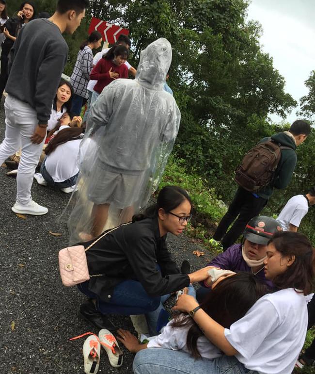 Hiệu trưởng trường Cao đẳng có 22 sinh viên rớt xuống đèo Hải Vân: Chúng tôi đau đớn đưa thi thể em Thảo về quê - Ảnh 3.