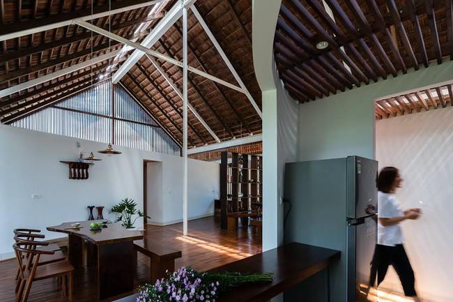 Ngôi nhà mái ngói trên thiết kế chẳng giống ai, nhưng khám phá rồi ai cũng phải ước ao ở Đắk Lắk - Ảnh 8.