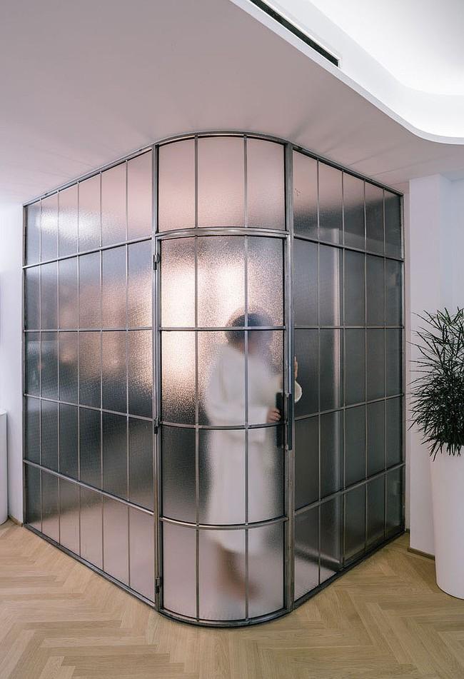 5 ý tưởng xây dựng phòng tắm trong căn hộ nhỏ giúp tối đa hóa không gian - Ảnh 6.