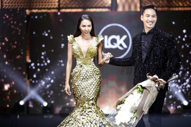 Show diễn ra đến nơi mà Lý Quí Khánh còn bị Siêu mẫu Minh Triệu phản ứng: Tôi chỉ hợp tác với những nơi mà mình được tôn trọng! - Ảnh 1.