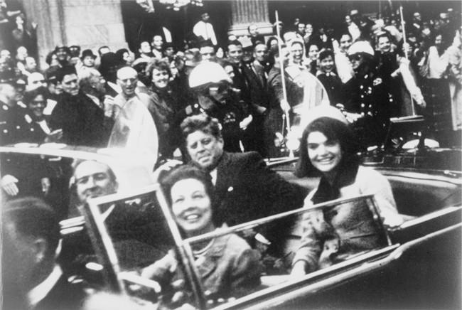 Đệ nhất phu nhân Jackie Kennedy: Mạnh mẽ vượt qua nỗi đau mất con, chồng chết ngay trước mắt và biểu tượng thời trang sống mãi với thời gian - Ảnh 13.