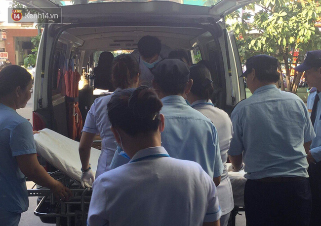 Vượt gần 1.500km, cha mẹ nữ sinh tử vong trong vụ xe lao xuống vực đèo Hải Vân ngã quỵ khi đón thi thể con tại nhà vĩnh biệt - Ảnh 5.