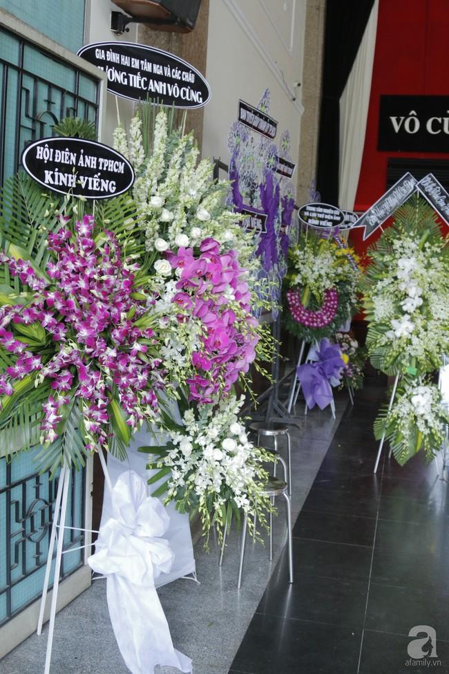 Đám tang NSND Thế Anh: NSND Trung Anh cùng dàn nghệ sĩ gạo cội Hà Nội có mặt từ sớm tại nhà tang lễ - Ảnh 8.