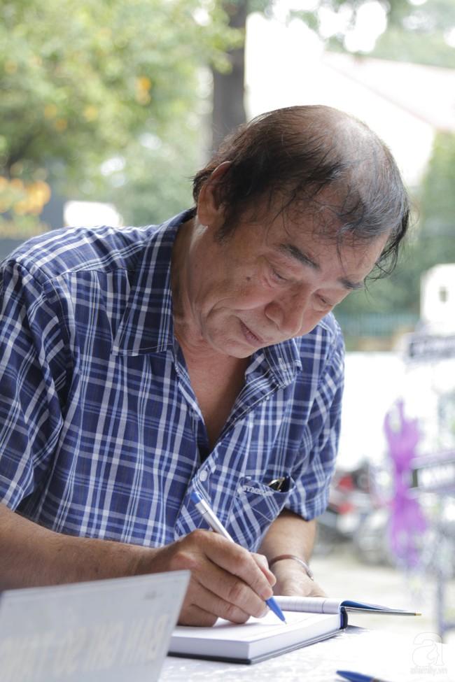 Đám tang NSND Thế Anh: NSND Trung Anh cùng dàn nghệ sĩ gạo cội Hà Nội có mặt từ sớm tại nhà tang lễ - Ảnh 5.