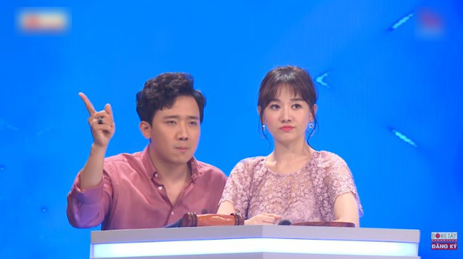 """Giữa """"tâm bão"""" bị chê hát dở, dân mạng """"đào"""" lại clip của Hương Ly hát live ở show truyền hình từng được Trấn Thành khen nức nở - Ảnh 3."""