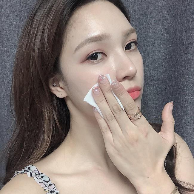 Không makeup thì khỏi cần tẩy trang: Á hậu Thanh Tú sẽ cho bạn biết thói quen này tai hại đến nhường nào - Ảnh 3.