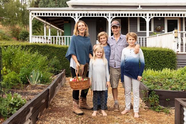 Gia đình 5 người quyết tâm không trở lại thành phố vì quá yêu thích cuộc sống nhà vườn ở nông thôn - Ảnh 3.
