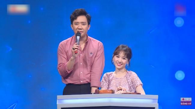 """Giữa """"tâm bão"""" bị chê hát dở, dân mạng """"đào"""" lại clip của Hương Ly hát live ở show truyền hình từng được Trấn Thành khen nức nở - Ảnh 4."""