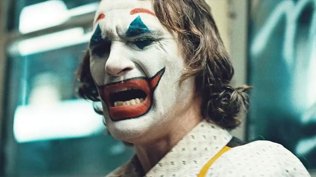 Cười không thể kiểm soát được, Joker thực ra mắc hội chứng bệnh đáng sợ này - Ảnh 1.