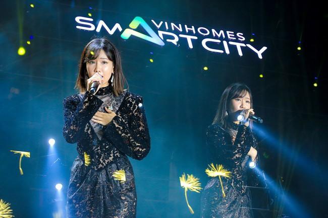 """Sơn Tùng M-TP và DJ Onionn """"quẩy"""" hết mình trên sân khấu Vườn Nhật - Ảnh 4."""
