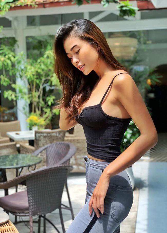 """""""Soi"""" nhất cử nhất động của sao Việt (10/10) - Ảnh 11."""