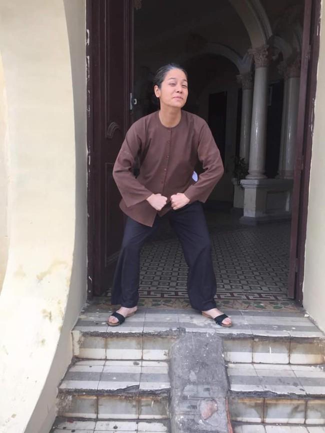 """""""Tiếng sét trong mưa"""": Thị Bình - Nhật Kim Anh nhí nhố khiến không ai nhận ra đây là """"nữ hoàng nước mắt""""  - Ảnh 4."""