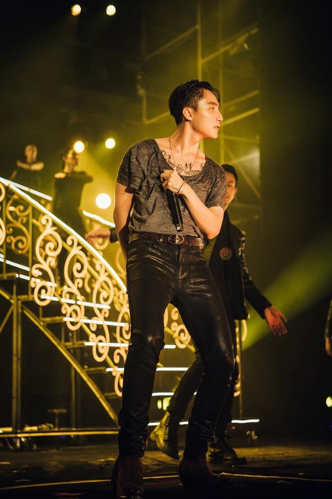 """Sơn Tùng M-TP và DJ Onionn """"quẩy"""" hết mình trên sân khấu Vườn Nhật - Ảnh 2."""