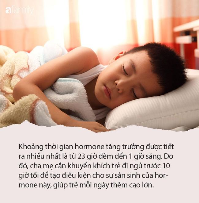 Muốn con đạt chiều cao tối đa, cha mẹ phải nhắc con đều đặn làm việc này trước 10h mỗi tối - Ảnh 1.