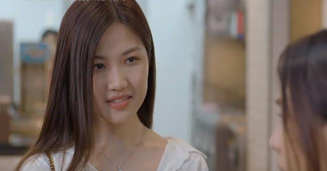 """Vừa xem phim thấy tóc dài bồng bềnh, mà giờ đã khác lạ với tóc ngắn, nhưng phải công nhận cô Trà """"tiểu tam"""" xinh quá là xinh - Ảnh 2."""