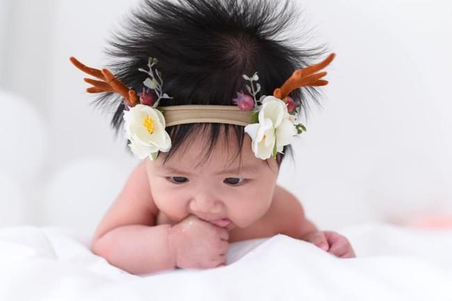 Cậu bé khiến cư dân mạng phát cuồng bởi mái tóc dựng đứng như vuốt keo, ai ngờ là tóc thật 100% - Ảnh 2.