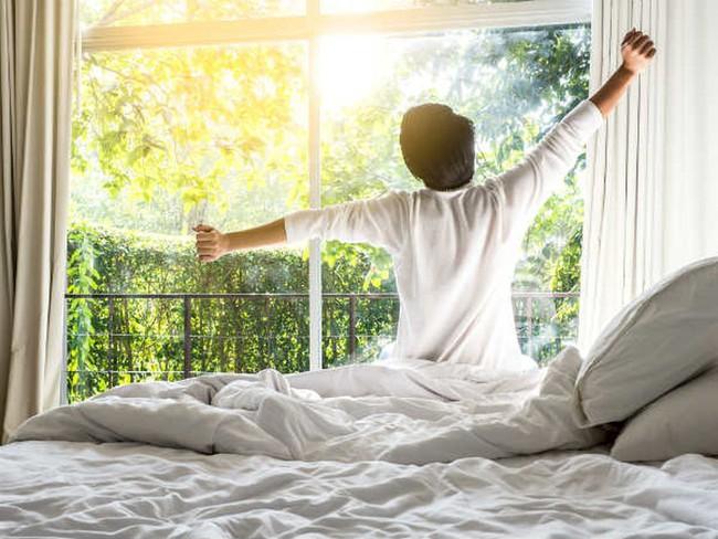4 dấu hiệu nhỏ khi đi ngủ cho thấy bạn sẽ sống rất thọ - Ảnh 3.