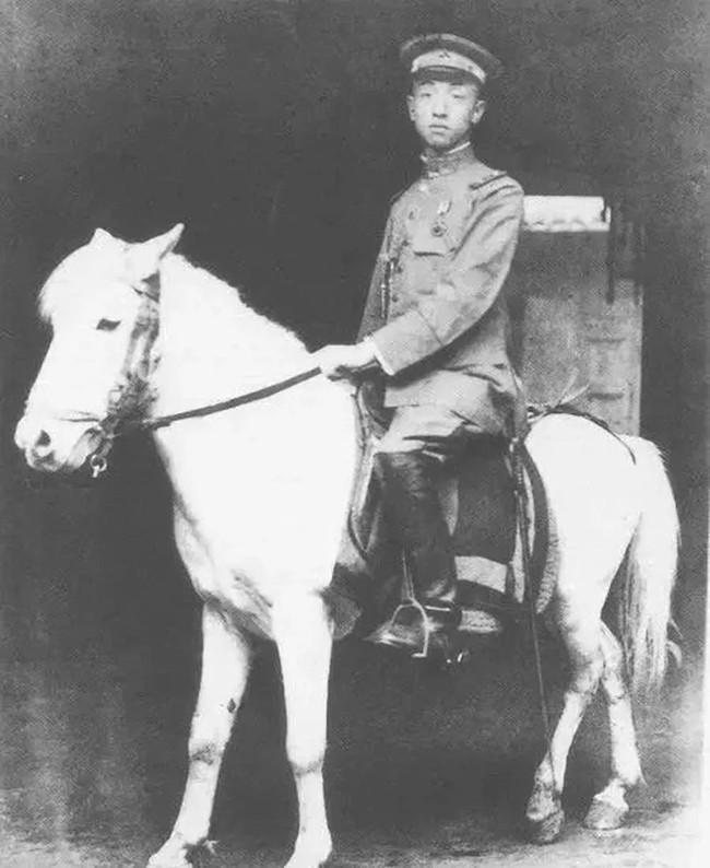 Xuất thân thanh lâu, 15 tuổi cưới chồng Tổng tư lệnh quyền lực, người phụ nữ vẫn quyết tâm ly hôn và một tay gây dựng nên đế chế kinh doanh lẫy lừng đất Thượng Hải - Ảnh 2.