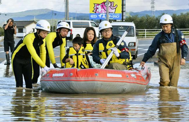 Người Nhật Bản, từ già đến trẻ không ai than khóc với thảm họa Hagibis, âm thầm vực dậy sau nỗi đau khiến thế giới thán phục - Ảnh 10.