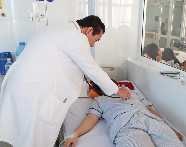 Lạm dụng thuốc ngừa thai, một phụ nữ 25 tuổi bị đột quỵ suýt mất mạng: Bác sĩ cảnh báo thói quen nguy hiểm - Ảnh 1.