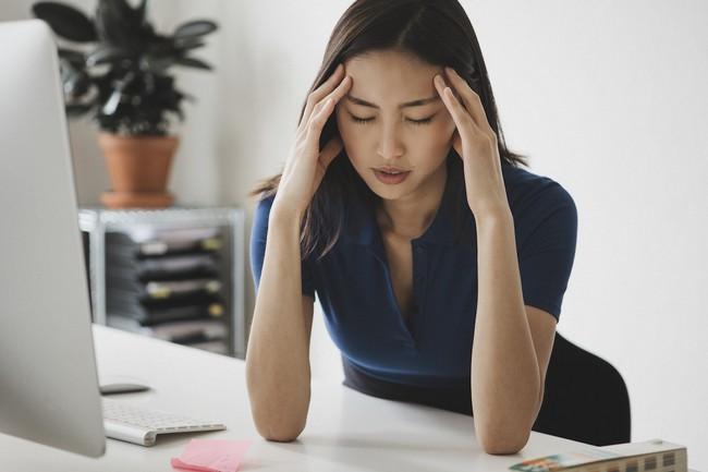Các bà mẹ công sở có biết: Stress từ công việc chính là nguyên nhân hàng đầu dẫn đến rạn nứt tổ ấm gia đình! - Ảnh 1.