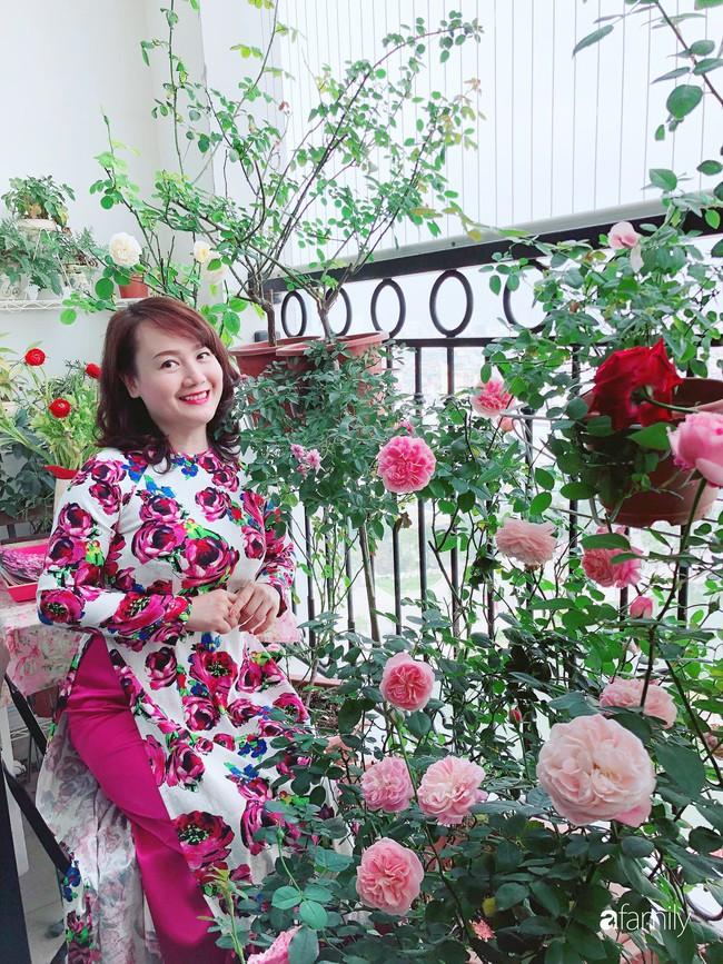 Ngày 20/10 ghé thăm không gian sống quanh năm thơm ngát hương hoa của người phụ nữ Hà Thành - Ảnh 2.