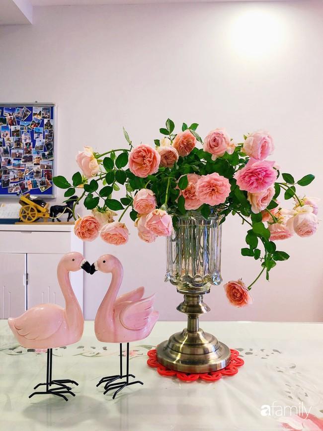 Ngày 20/10 ghé thăm không gian sống quanh năm thơm ngát hương hoa của người phụ nữ Hà Thành - Ảnh 6.