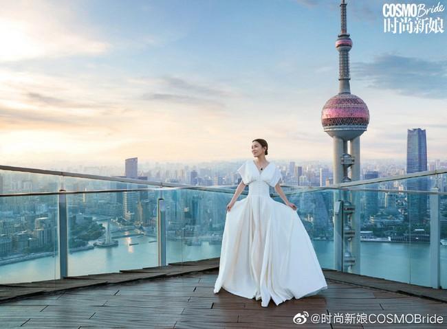 Xa Thi Mạn xinh đẹp trong chiếc áo cưới tinh khôi nhưng không có sự xuất hiện của chú rể, tiết lộ lý do vẫn còn độc thân - Ảnh 4.