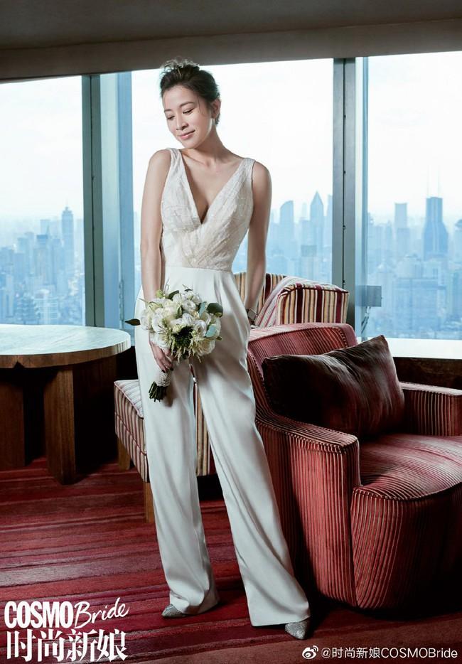 Xa Thi Mạn xinh đẹp trong chiếc áo cưới tinh khôi nhưng không có sự xuất hiện của chú rể, tiết lộ lý do vẫn còn độc thân - Ảnh 3.