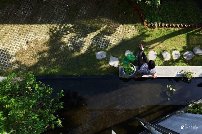 Ngôi nhà phố ngập tràn cây xanh và ánh nắng dù kín cổng cao tường ở Sài Gòn của cặp vợ chồng thành đạt quê gốc miền Trung - Ảnh 9.