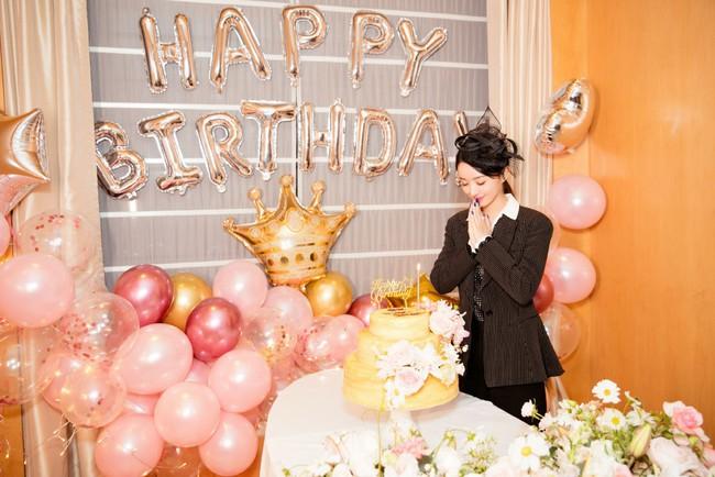 Triệu Lệ Dĩnh đón sinh nhật bên ngoài, Phùng Thiệu Phong vẫn chưa thấy động tĩnh gì - Ảnh 4.