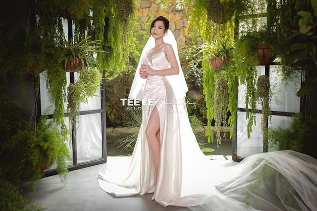 Váy cưới của Đông Nhi - Ảnh 4.