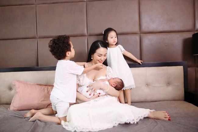 """Nói không với giảm cân tiêu cực, bà xã Tuấn Hưng giảm cân """"thần tốc"""" sau sinh con thứ 3 - Ảnh 1."""