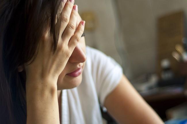 Đang ăn cơm, chồng tôi bỗng tuyên bố một việc khiến tôi giật thót người vì sợ hãi - Ảnh 1.