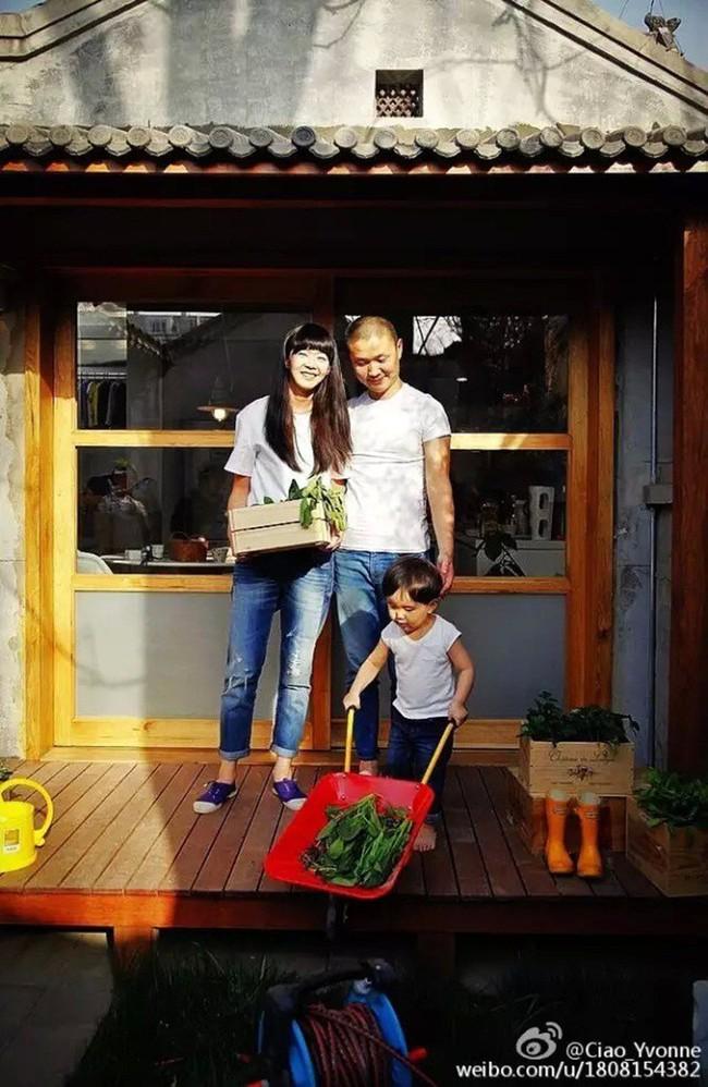 Gia đình trẻ sống những tháng ngày hạnh phúc trong ngôi nhà sau khi cải tạo - Ảnh 1.