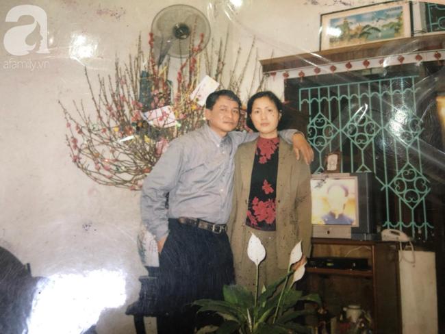 """Chuyện tình của cô """"Hoa khôi"""" Hải Dương đẹp nổi tiếng, tấm ảnh cưới 29 năm trước cũng chứa đựng cả câu chuyện dài - Ảnh 4."""